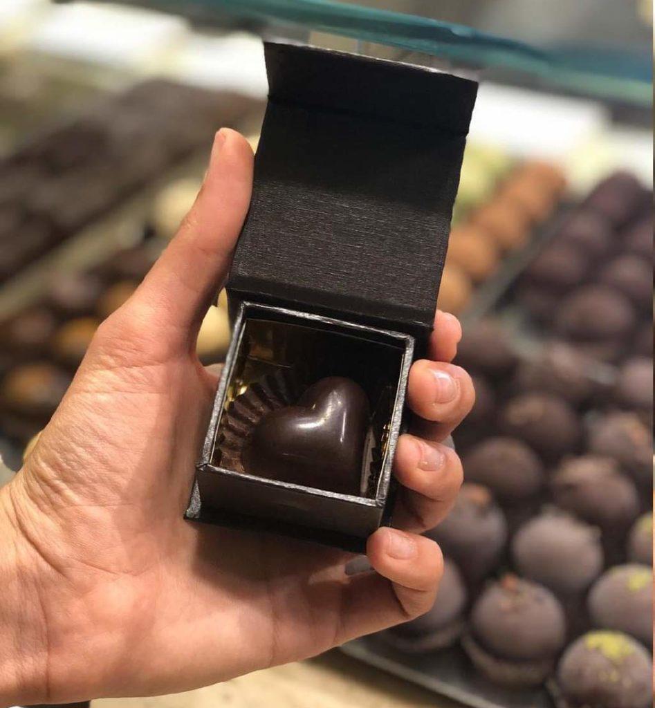 cuore di cioccolato raw