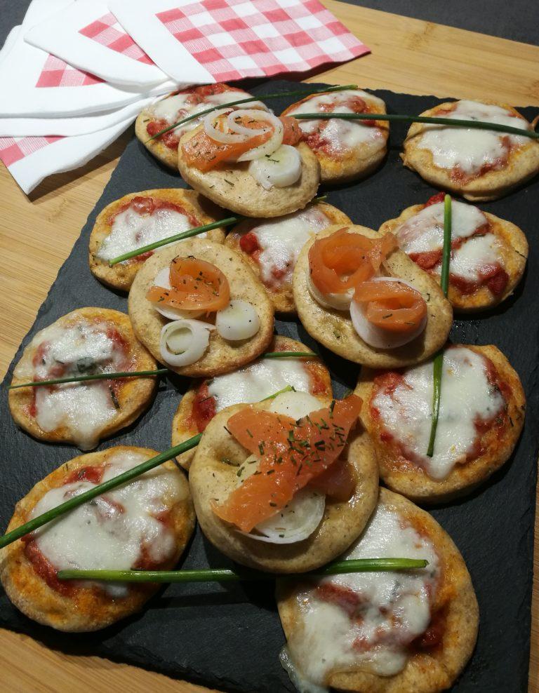 Pizzette integrali al pomodoro e mozzarella