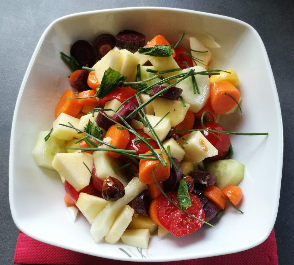 insalata ortaggi e mela