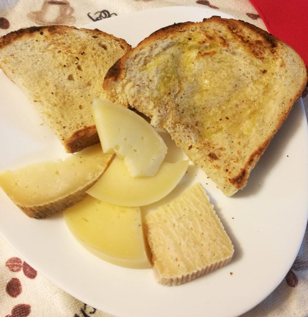 bruschette con formaggi