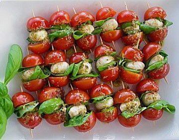 Pomodorini ciliegino con mozzarella
