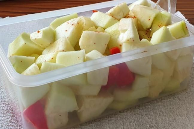 lunch box con cetrioli