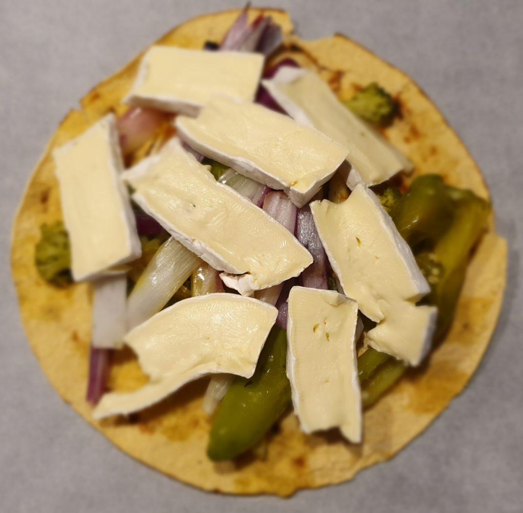 pane carasau con verdure grigliate e formaggio