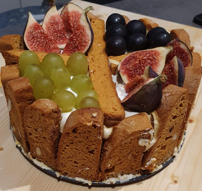 Tiramifrutta con ricotta e yogurt greco