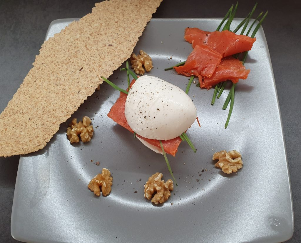 mozzarella ripiena di salmone