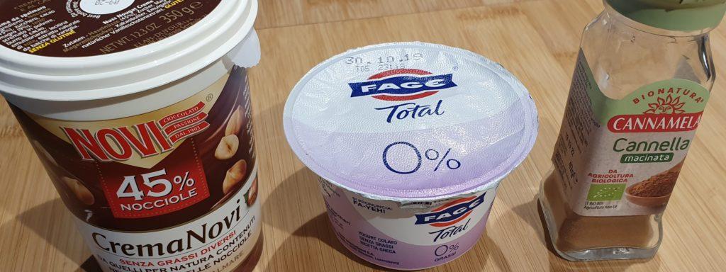 ingredienti mousse yogurt e cioccolato