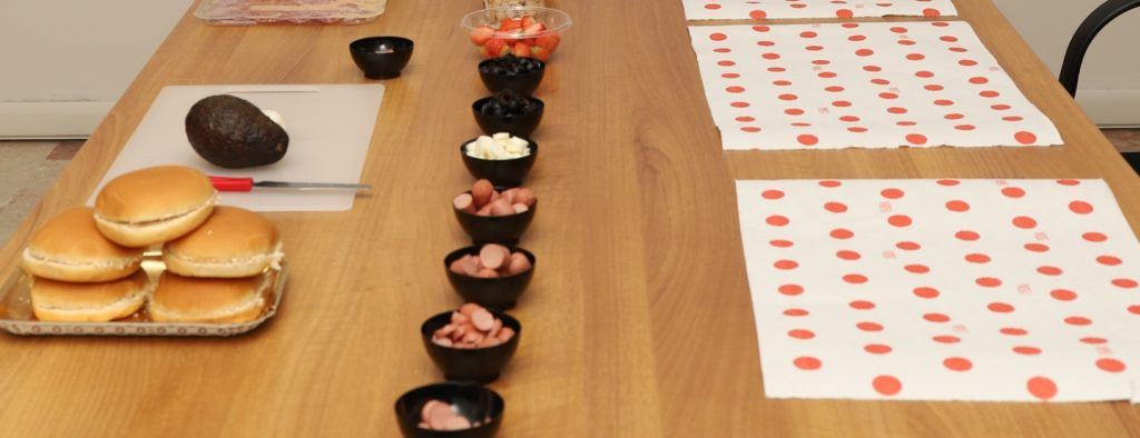 tavolo da lavoro per bambini in cucina