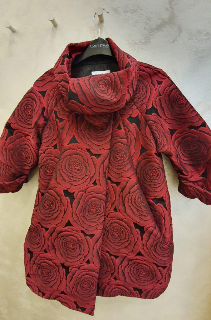 giacca rossa e nera