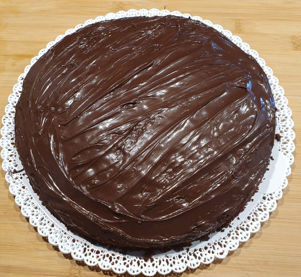 torta ricoperta di cioccolato