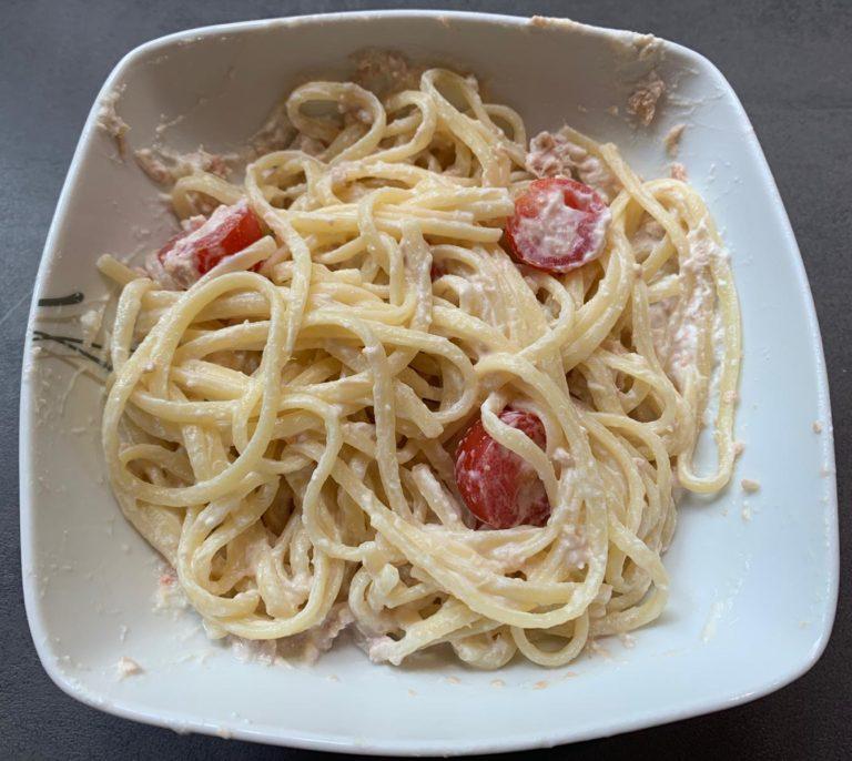 Pasta con tonno pomodori e ricotta