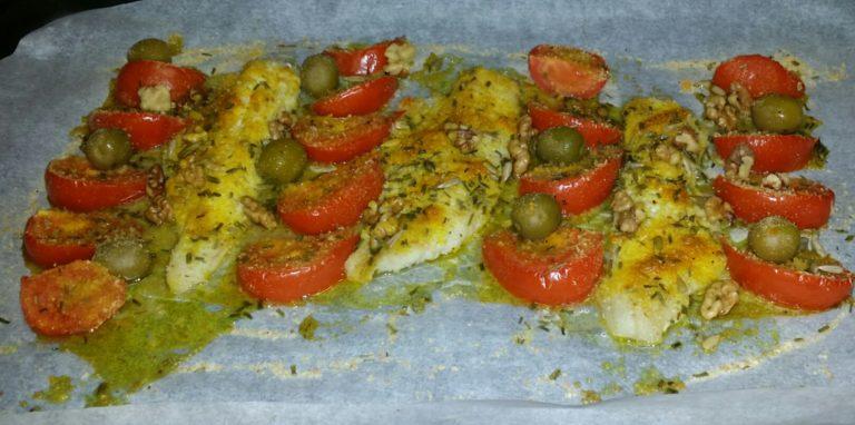 Merluzzi al forno con pomodori olive e noci
