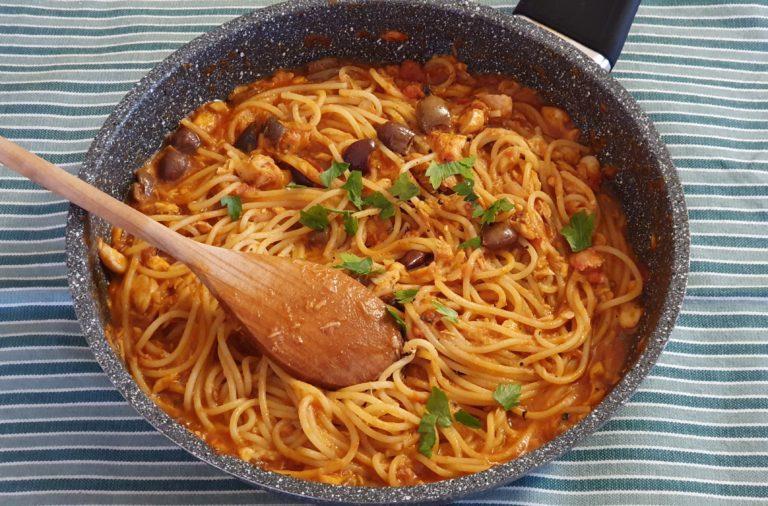Spaghetti al sugo di triglie e zola.