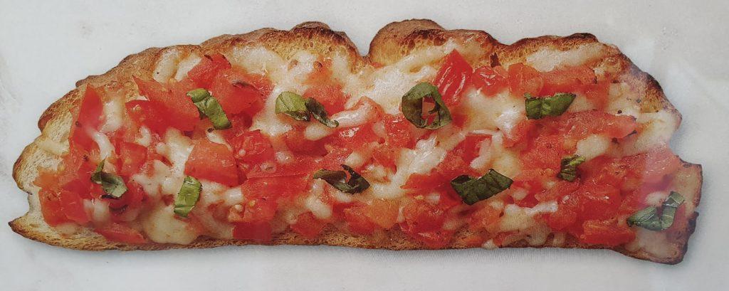 bruschetta classica pomodoro e mozzarella