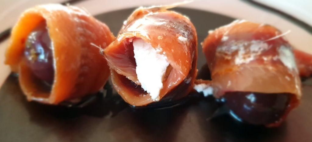 rotolini di acciughe olive e feta