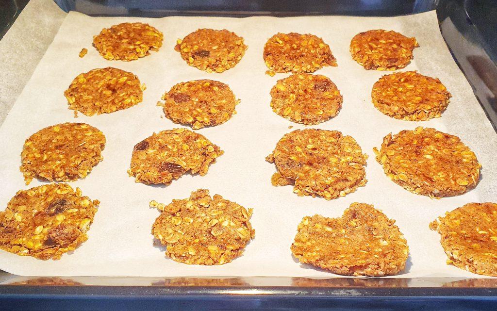 biscotti con avena e mandorle
