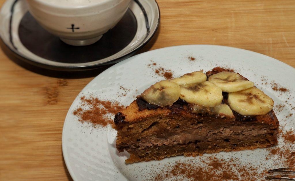 torta al cioccolato con banane