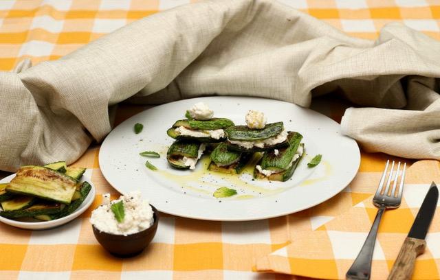 zucchine grigliate e ricotta