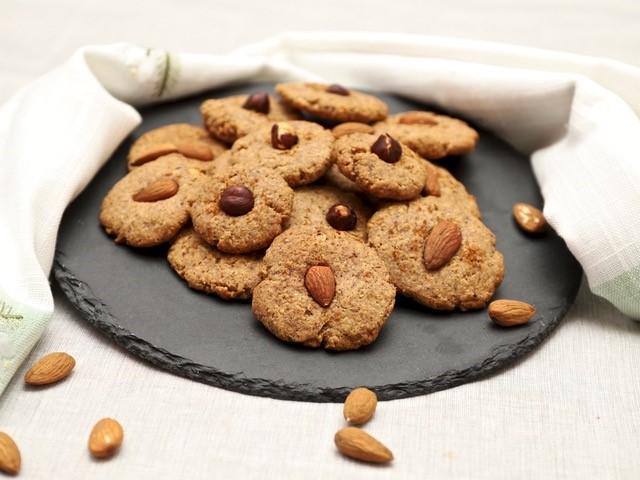 biscotti mandorle e nocciole