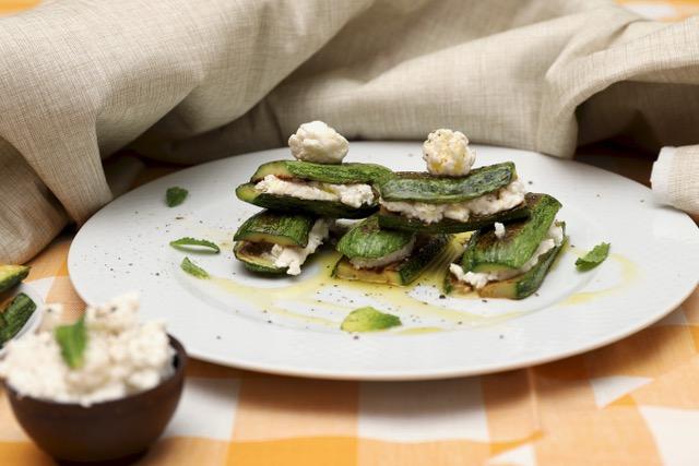 zucchine grigliate con ricotta di bufala