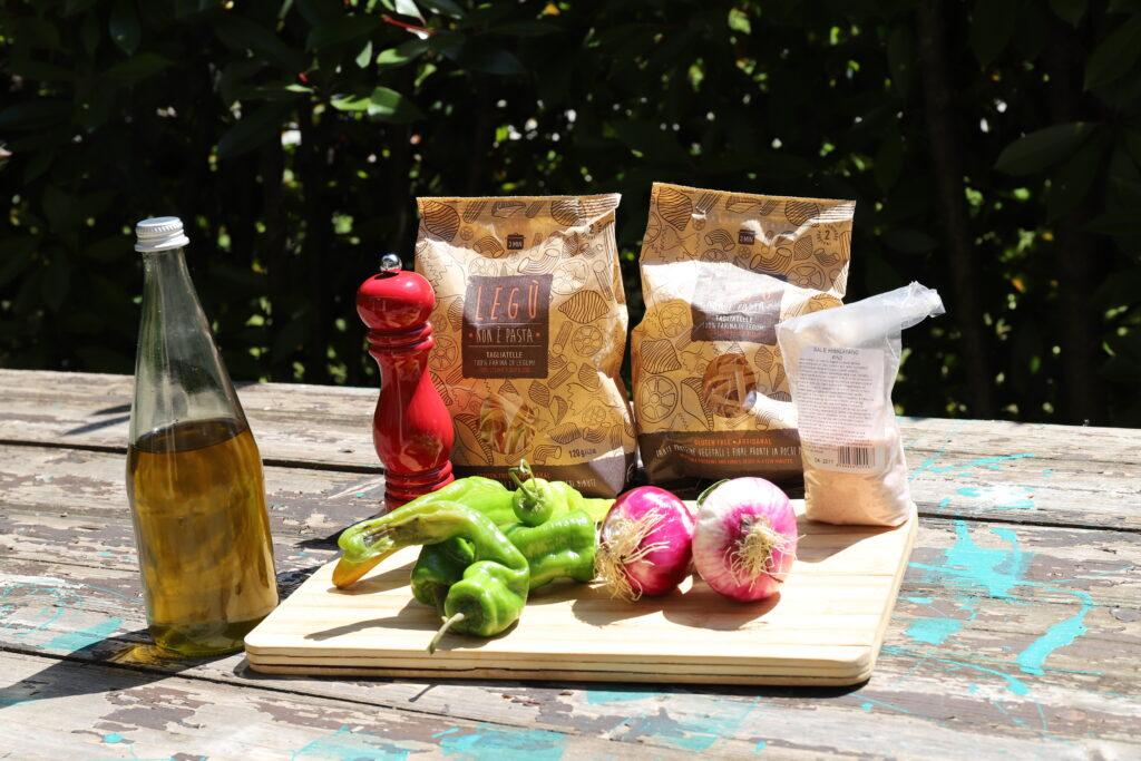 ingredienti tagliatelle di legumi con verdure