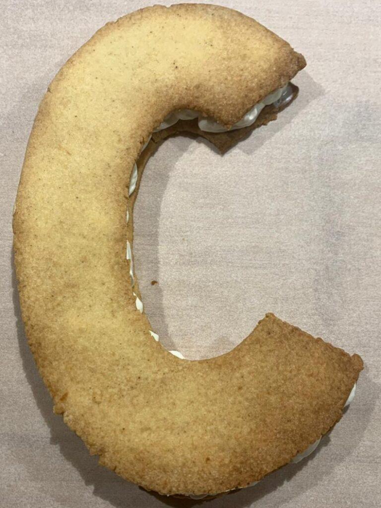 torta sablé a forma di lettere
