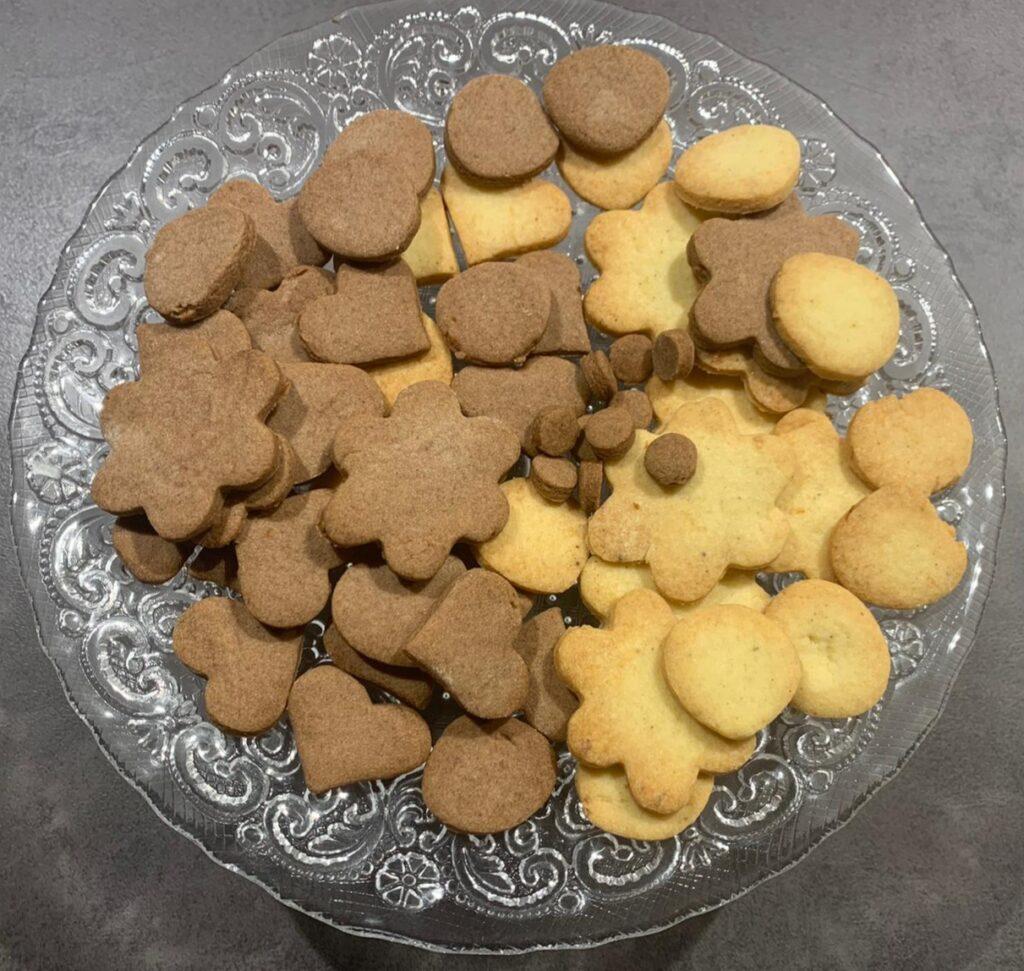 biscottini bicolore di pasta sablé