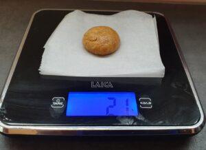 pallina di impasto dei biscotti al caffè