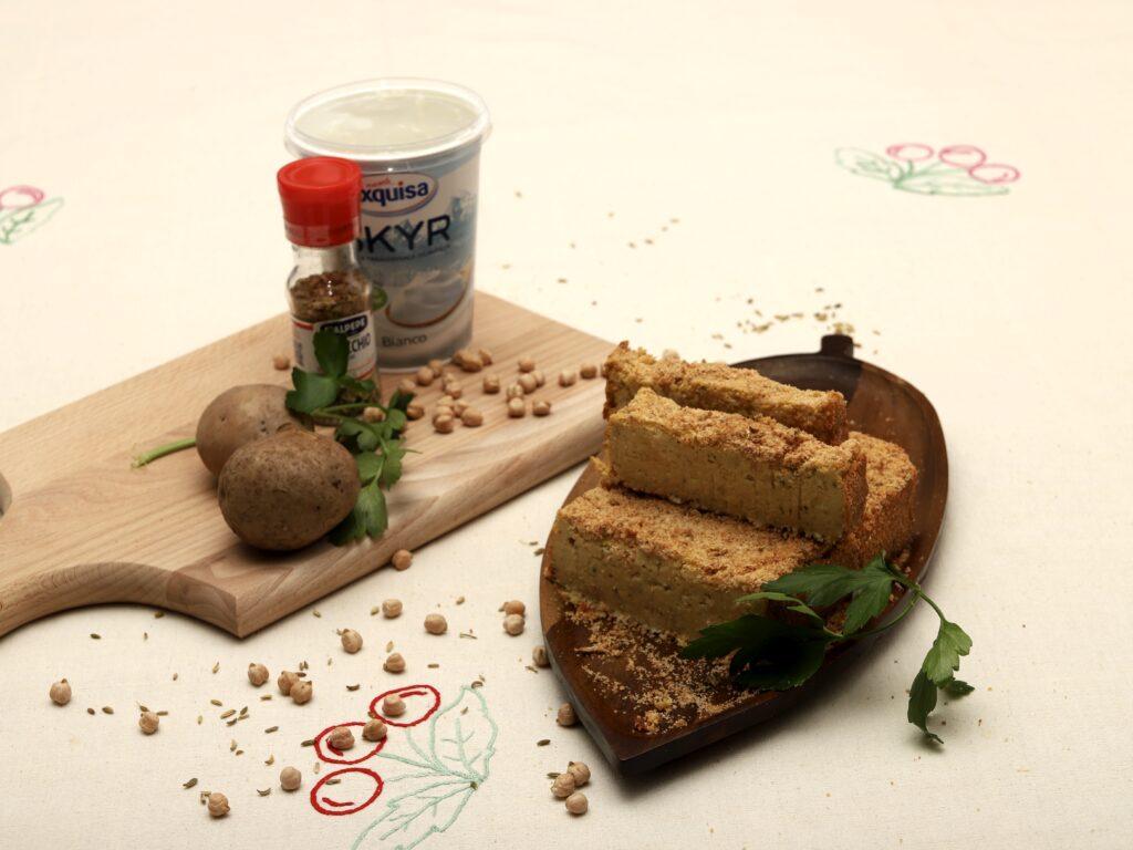 ingredienti per il polpettone di ceci, patate e formaggio