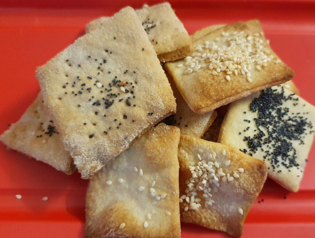 crackers fatti con esubero lievito madre