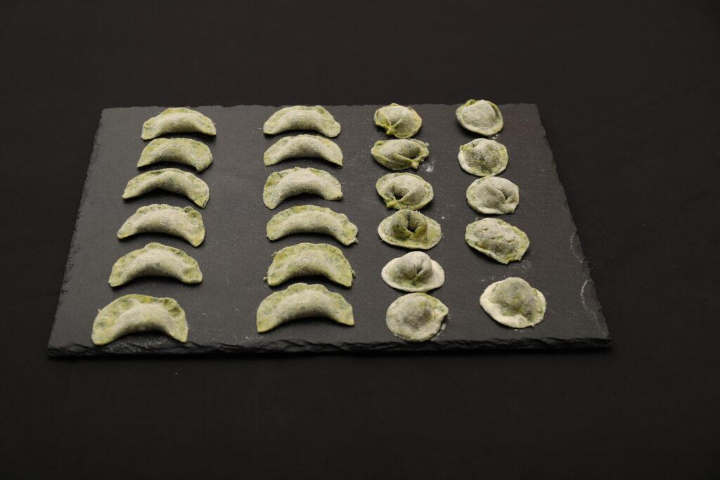 cappelletti agli spinaci pronti per la cottura