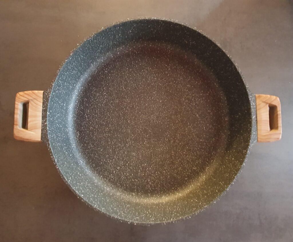 maxi padella utilizzata per fare la paella