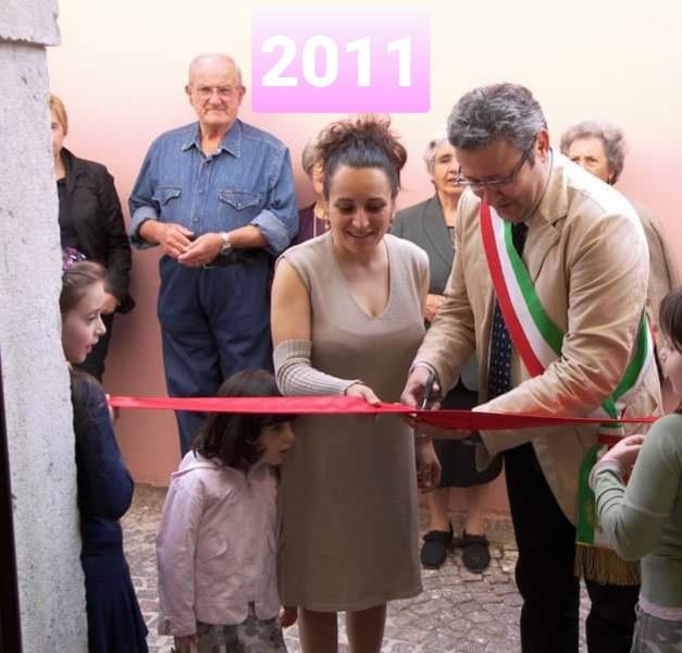 """cerimonia di inaugurazione del negzio """"l'angolo di Rossella"""" in Avigliano"""