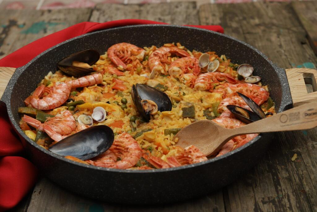 paella con pesce e verdure