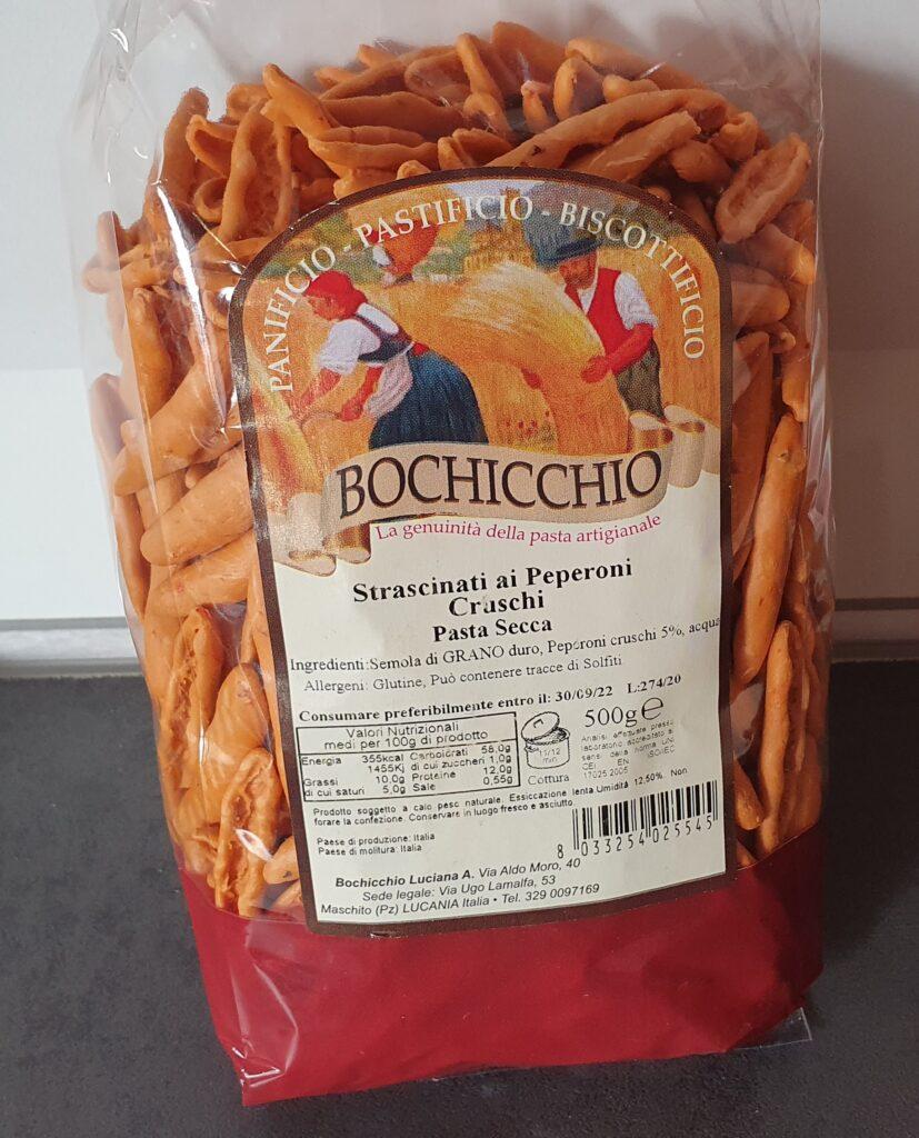 lo foto riporta una confezione di pasta ai peperoni cruschi