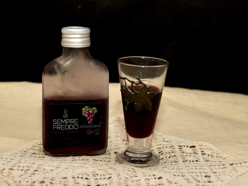 liquore dolce alle amarene macerate in uve Aglianico
