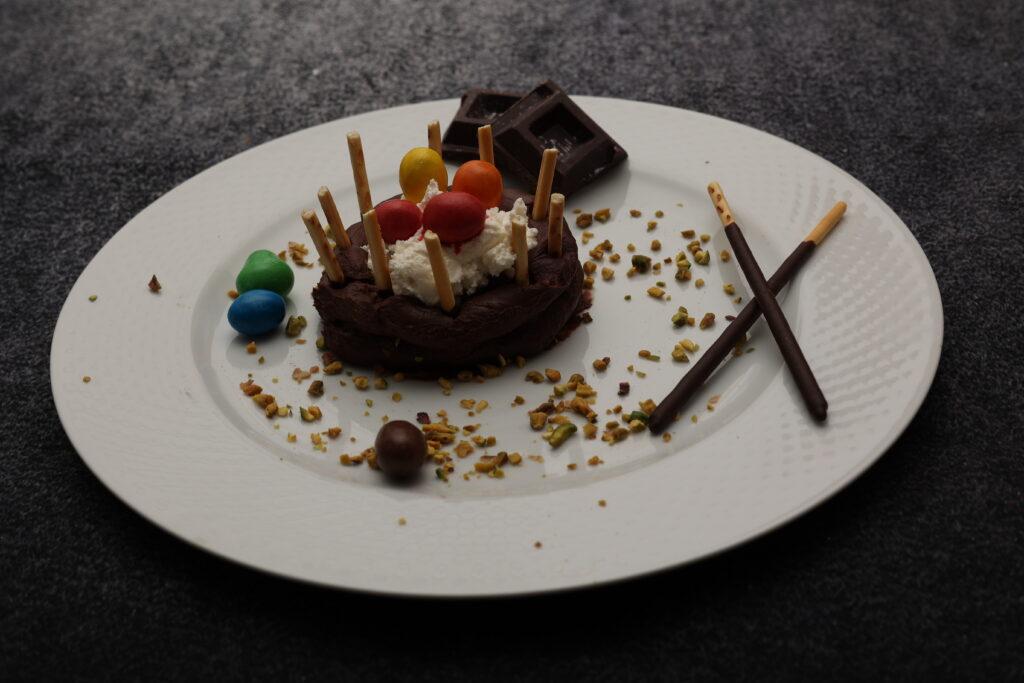 Nido di Pasqua con ganache al cioccolato e crema di formaggio
