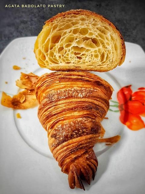 croissant sfogliati a mano