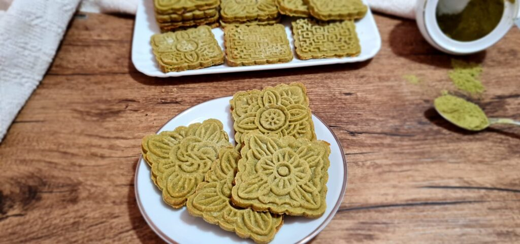 biscotti decorati al té matcha